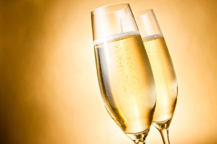 Package - Champagne Flutes - 750x500